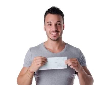 בעל עסק מחזיק צ'ק שקיבל כהלוואה